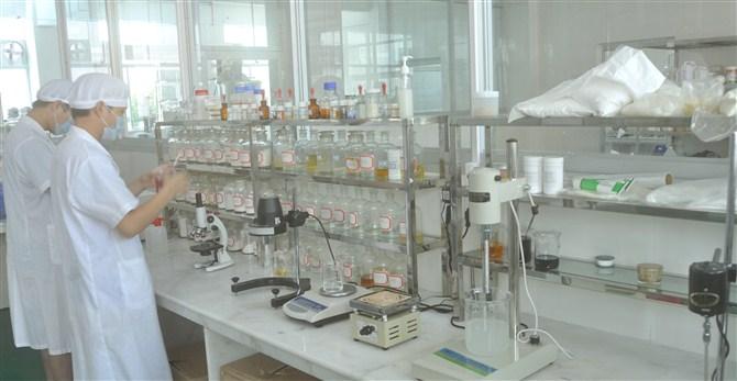 供应美白祛斑霜化妆品OEM加工厂