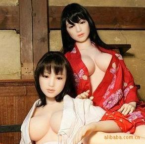 仿日本美女冲气娃娃半实体;