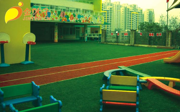 供应幼儿园人造草铺设策划