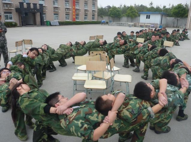 供应上海西点军人化军训上海军人化军训