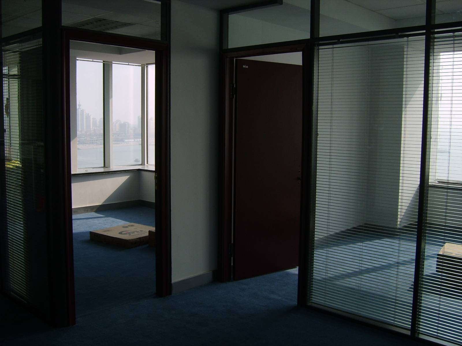 供应青岛办公室隔断安装