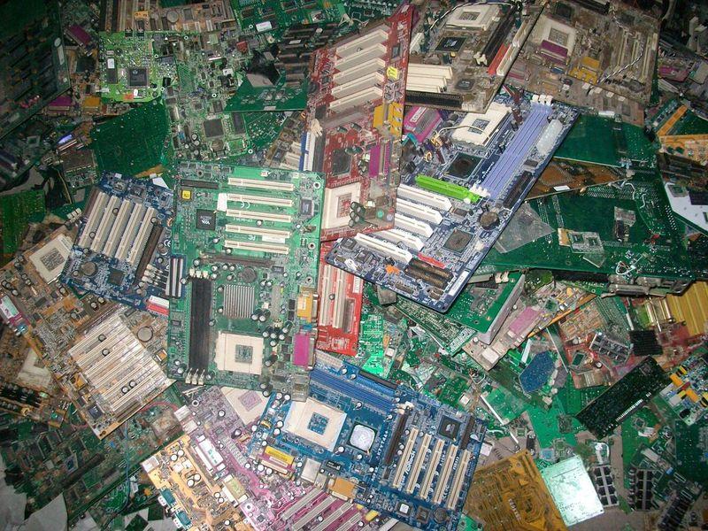 大量回收主板及电脑