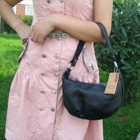 生产供应真皮女式小手提包