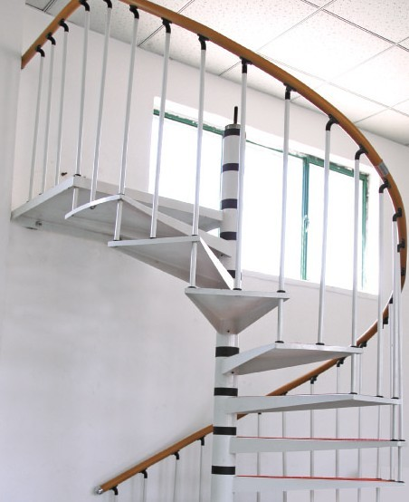 实木楼梯中心柱旋转楼梯;