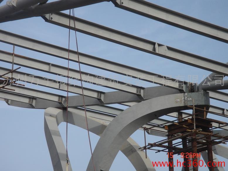 钢结构施工安装骁图片