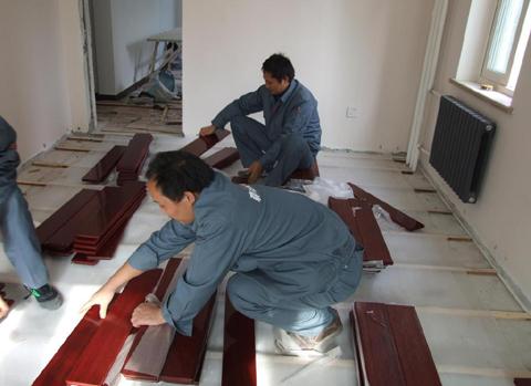 深圳木地板翻新,专业安装维修,木地板打蜡木地板维修