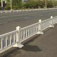 供应福州市政栏杆生产,市政隔离栅,泉州铁路护栏网,机场防护棚栏