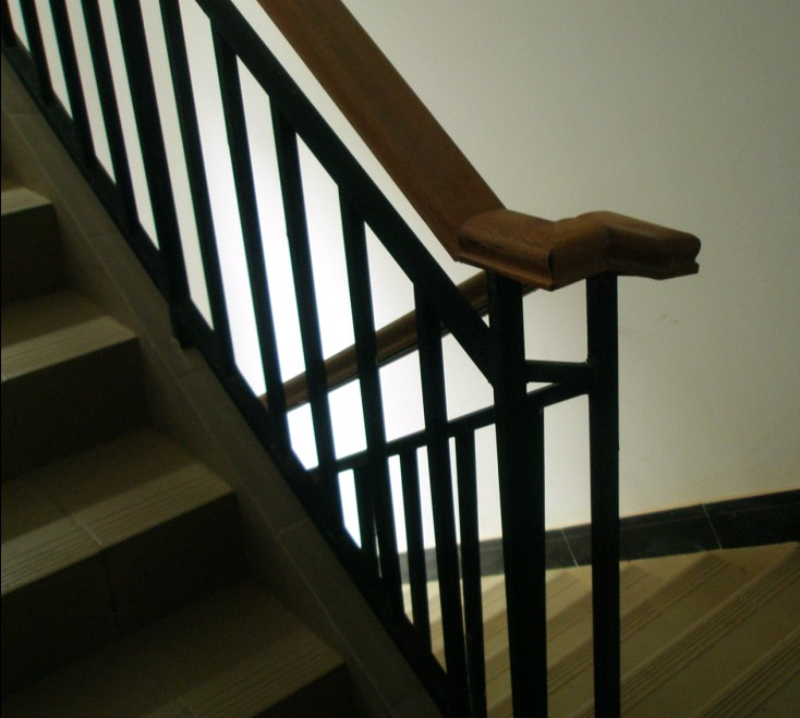 家用楼梯不锈钢扶手 楼梯实木扶手 楼梯木扶手