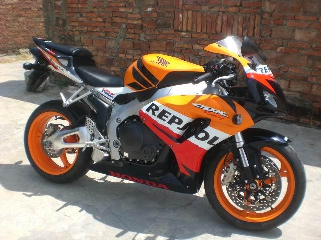 v广告本田cbr1000rr摩托车最新广告飞度视频图片