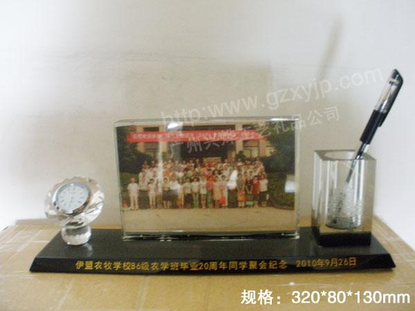 供应20周年聚会纪念品,毕业周年礼品,水晶办公三件套礼品广州礼品