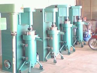 供应山东立式砂磨机涂料研磨机