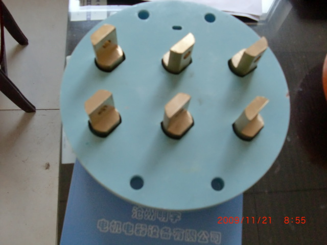 电机接线柱图片
