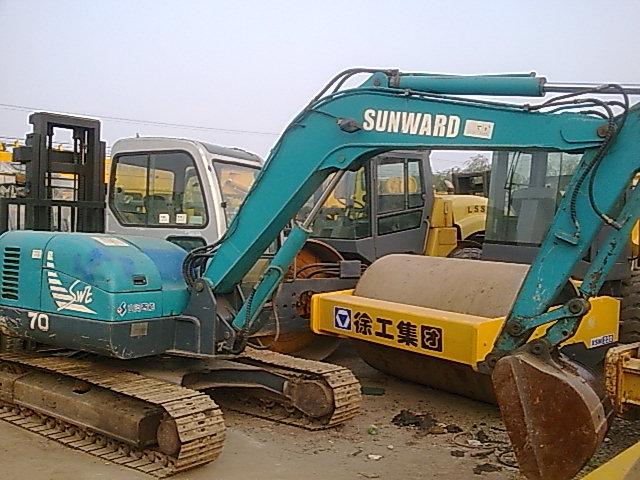 湖南二手小挖掘机二手小松挖掘机,上海二手小挖掘机交易市场图片