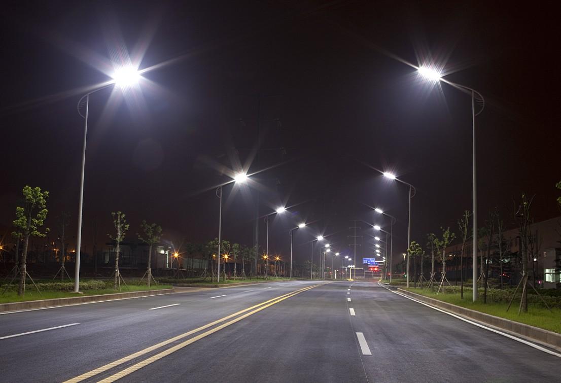 通滩场镇和宜定场镇同时进行新增路灯工程