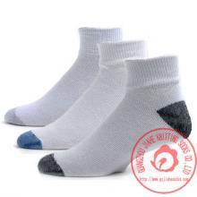 广州袜厂运动袜批发 运动袜加工 运动袜订做 定做 定制