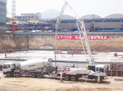 供应北京出租泵车汽车泵地泵混凝土输送图片