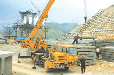 马陆35吨汽车吊出租货物高层吊装 嘉定区叉车出租机器设备搬运批发